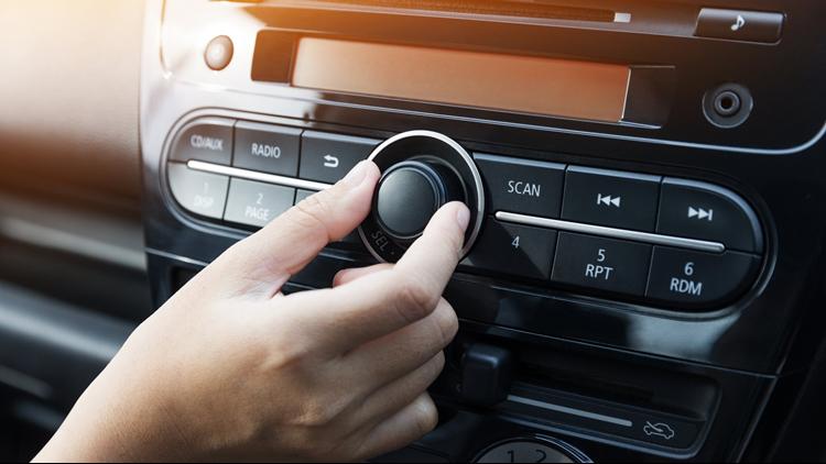 Quảng cáo trên Radio: VOV giao thông, VOV1, VOH, ...
