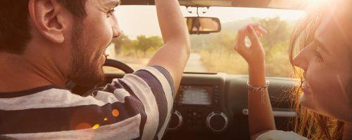 Nghe quảng cáo trên VOV giao thông là phương thức thư giãn của nhiều người trên xe ô tô
